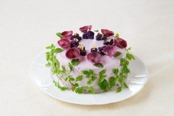 Salad Cake: Japan's Latest Health Craze