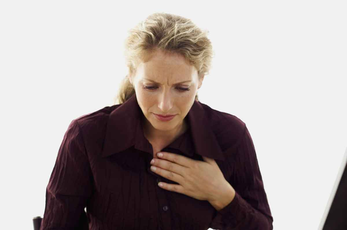 Heart Attack Symptoms Women Shouldn't Ignore